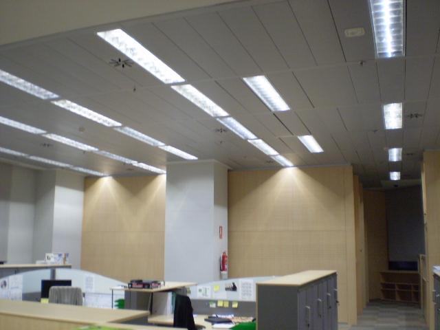 Tubo led t8 con base 18w de 120cm medellin colombia for Iluminacion de oficinas